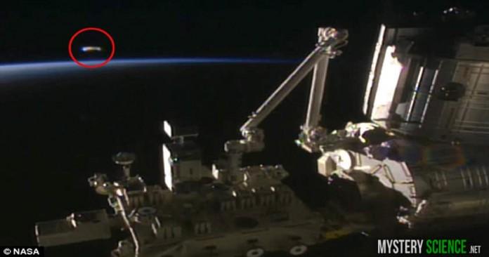 ovni en la estacion espacial internacional