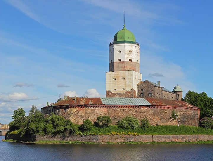 Descubren juego de mesa medieval en cámara secreta de castillo ruso
