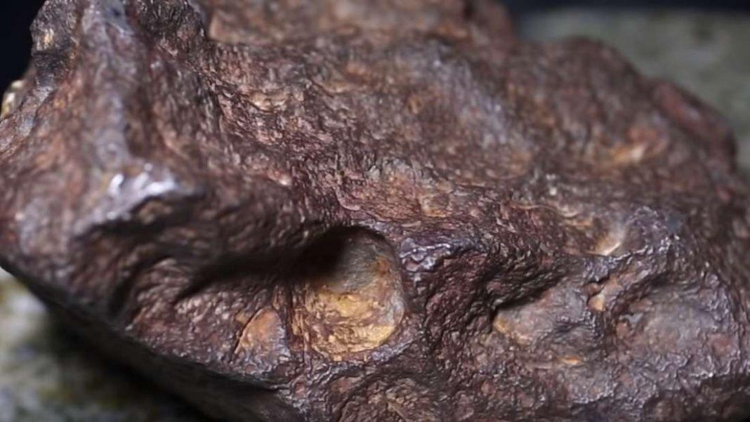 Meteorito utilizado como tope de puerta puede valer 100,000 dólares