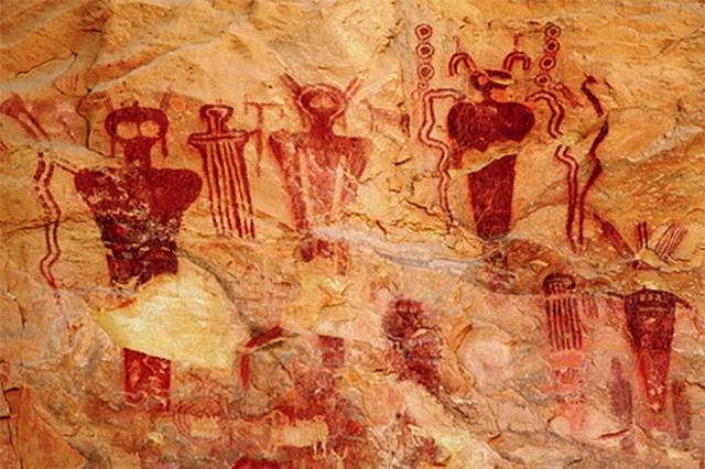 Las pinturas rupestres en el área del Cañón de Sego muestran seres extraños con ojos grandes