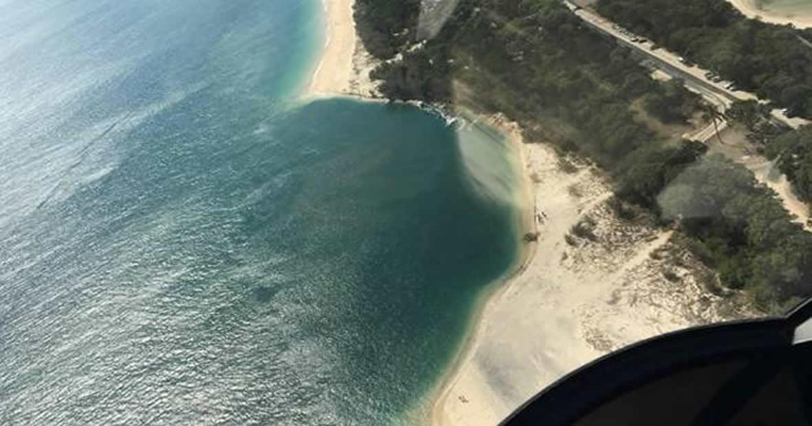Enorme agujero acaba de tragarse una playa en Australia