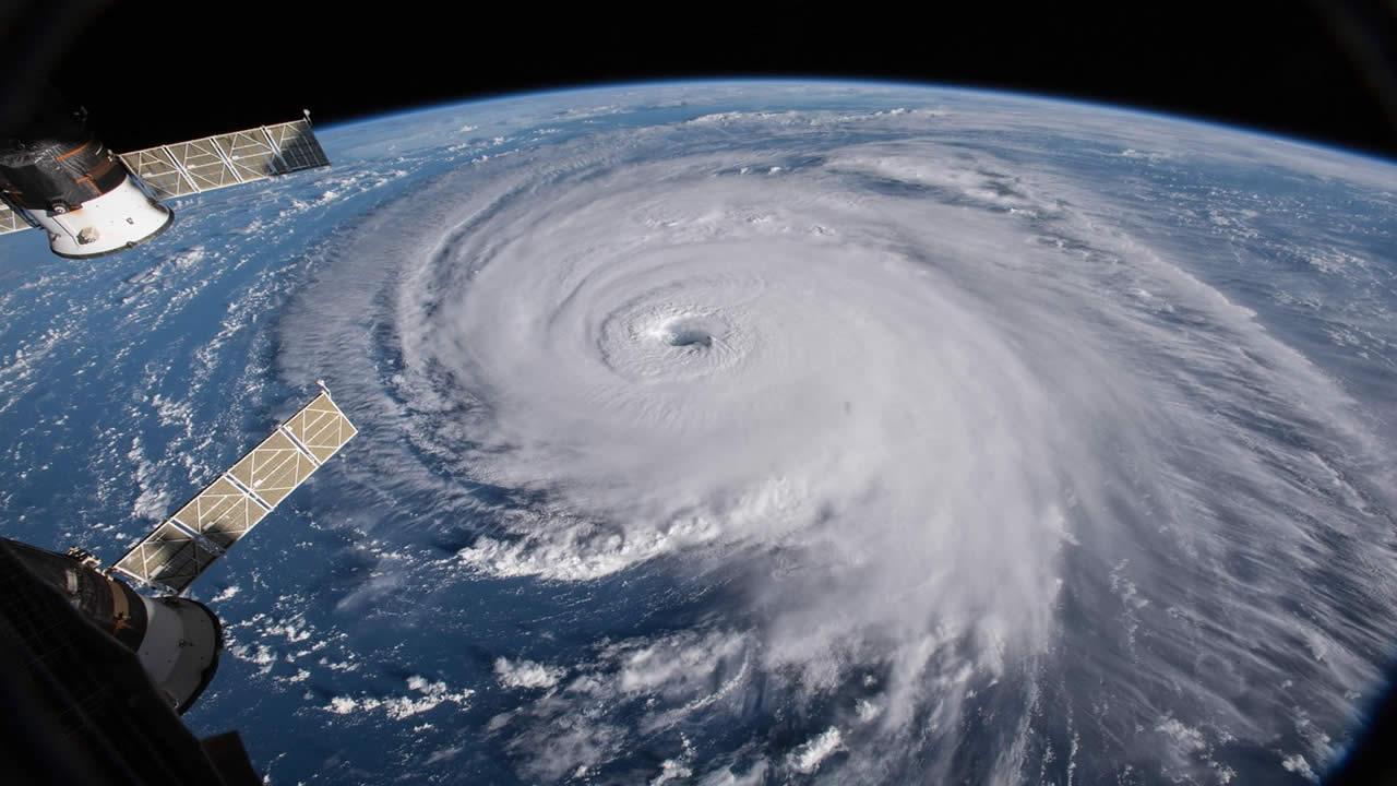 ientíficos: calentamiento global intensificará los huracanes