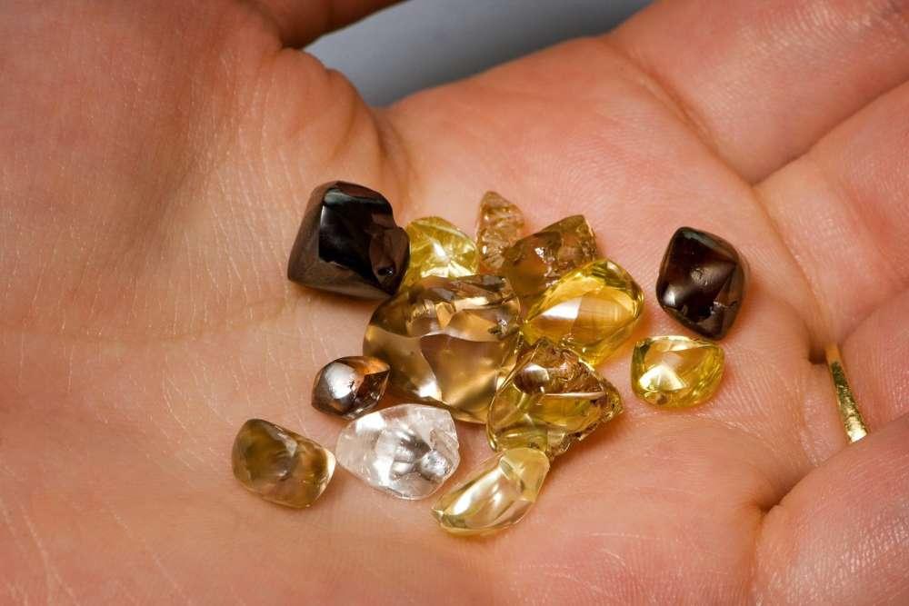 Tipos de diamantes encontrados en el Crater of Diamonds State Park.