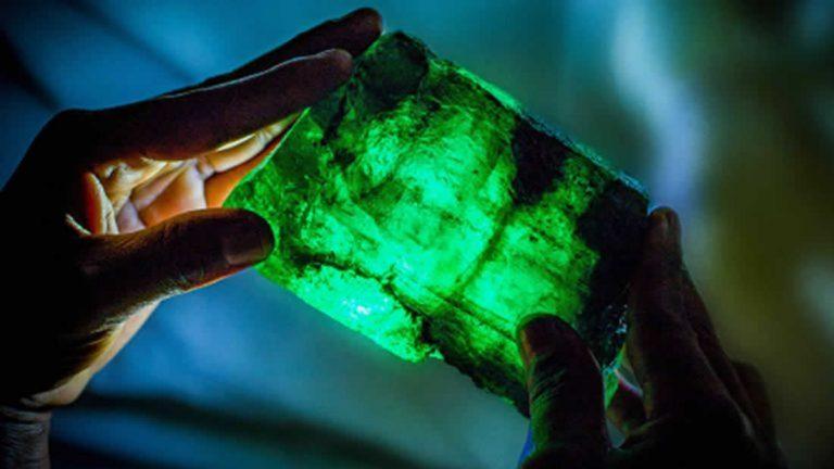 Hallan esmeralda de más de un kilo en África