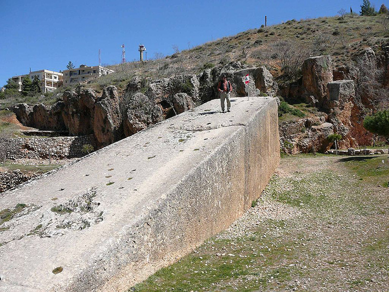 La Piedra de la Mujer Embarazada en Baalbek