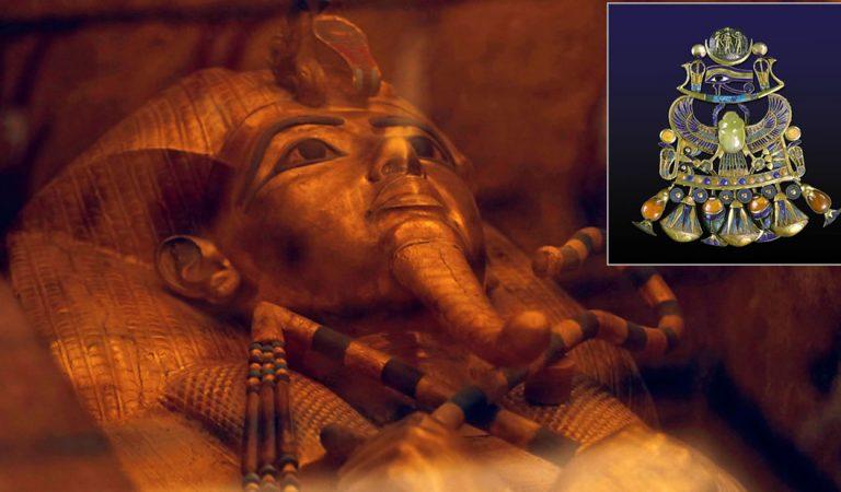 Confirman que una gema del pectoral de Tutankamón provino del impacto de un meteorito