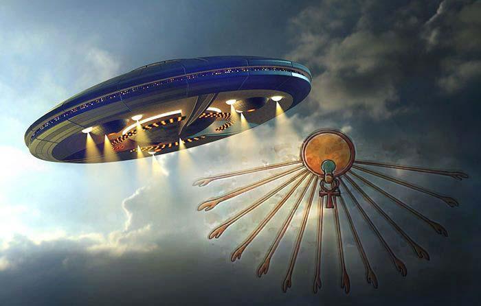 Comparación entre las representaciones de Atón y un platillo volador