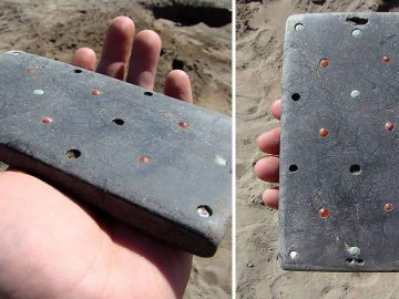 Hallan artefacto similar a un iPhone de más de 2.100 años de antigüedad
