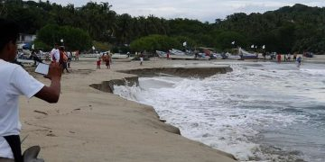 Una playa mexicana se 'hunde' debido a un extraño fenómeno
