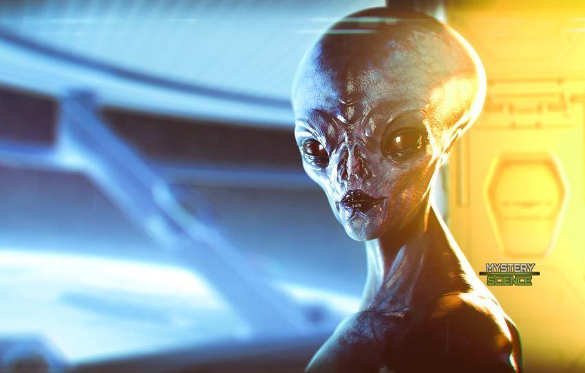 Alienígena en su nave