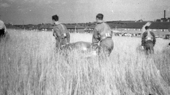 Caso Varginha militares recuperan restos del Ovni
