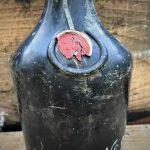 Recuperan 900 botellas licor de un buque hundido en el mar Báltico hace más de un siglo
