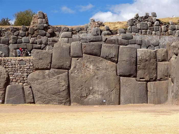 Sacsayhuaman Muros de piedra