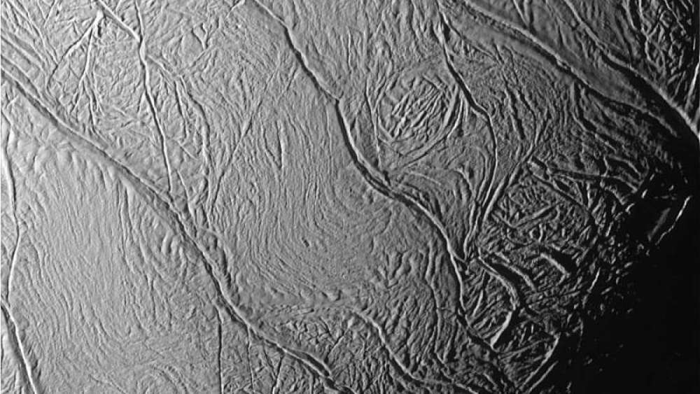 Rayas de tigre de Encélado