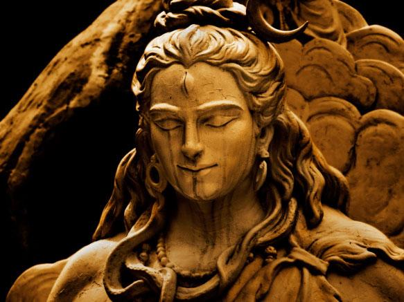 Dios Shiva y Tercer ojo en la frente