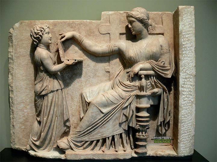 Estatua de la Antigua Grecia que muestra una «laptop»