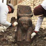 Hallan un raro busto del faraón Ramsés II