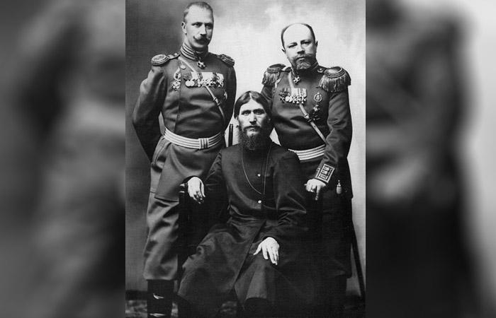 Grigory Rasputin, Mayor General Putyatin y el Coronel Loman
