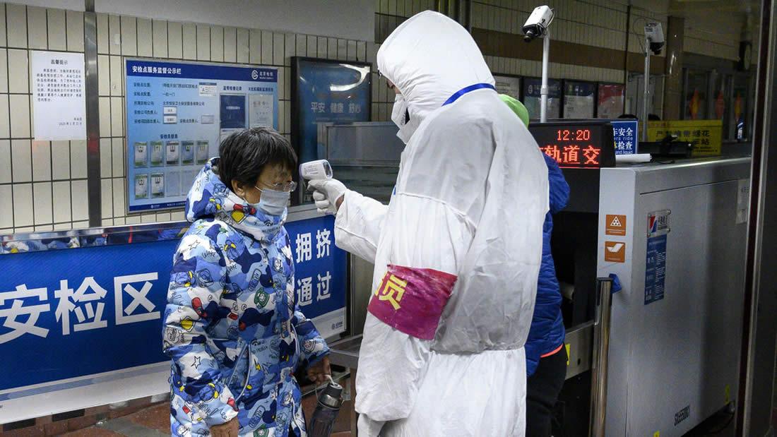 El coronavirus puede infectar desde una distancia de 2 metros