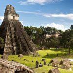 Tikal, la antigua ciudad Maya y sus pirámides ceremoniales