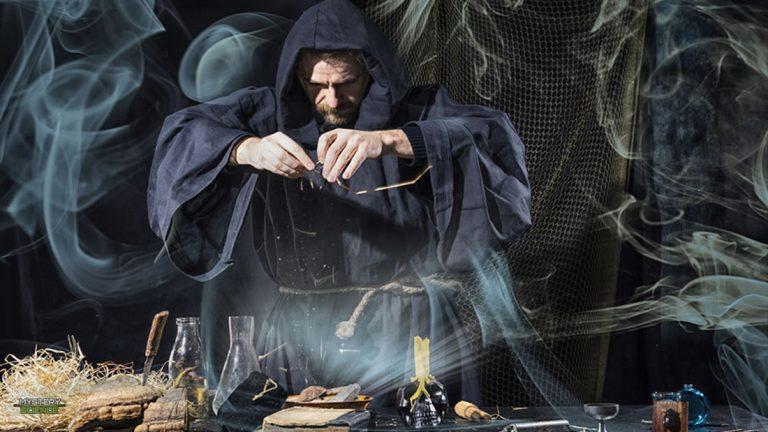 Los 5 magos y ocultistas más relevantes de la historia