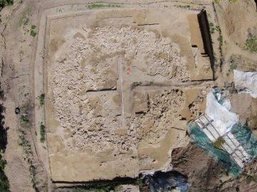 Descubren una casa construida de huesos de mamut