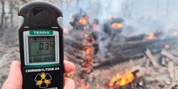 Incendios forestales aumentan los niveles de radiación de Chernóbil