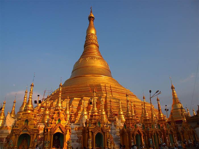 Estupa de Shwedagon Paya en Rangún