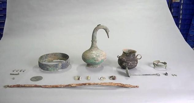 Hallan un recipiente de 2.000 años de antigüedad con un misterioso líquido