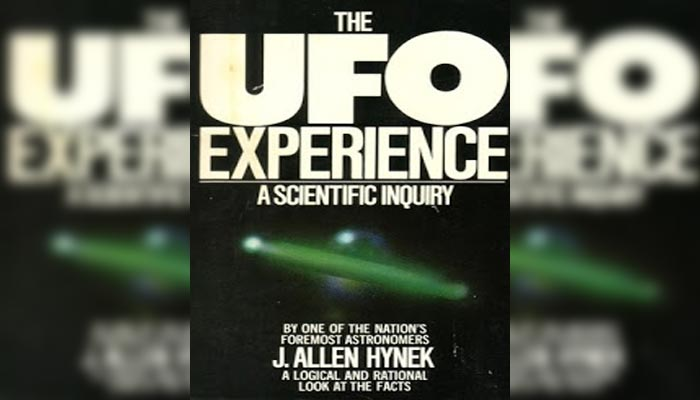 Libro Experiencia UFO: Un estudio científico apareció por primera vez la Escala Hynek.