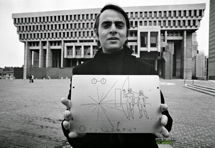 Qué contiene el mensaje interestelar enviado por Carl Sagan a los extraterrestres