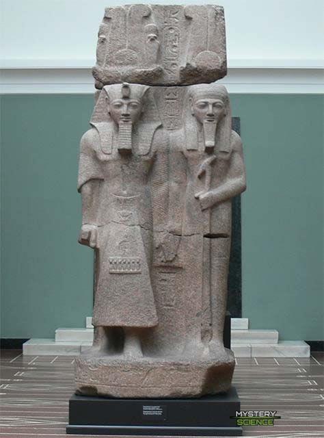 Ramsés II y Ptah Tatenen