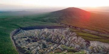 La «puerta al infierno» en Siberia continúa creciendo