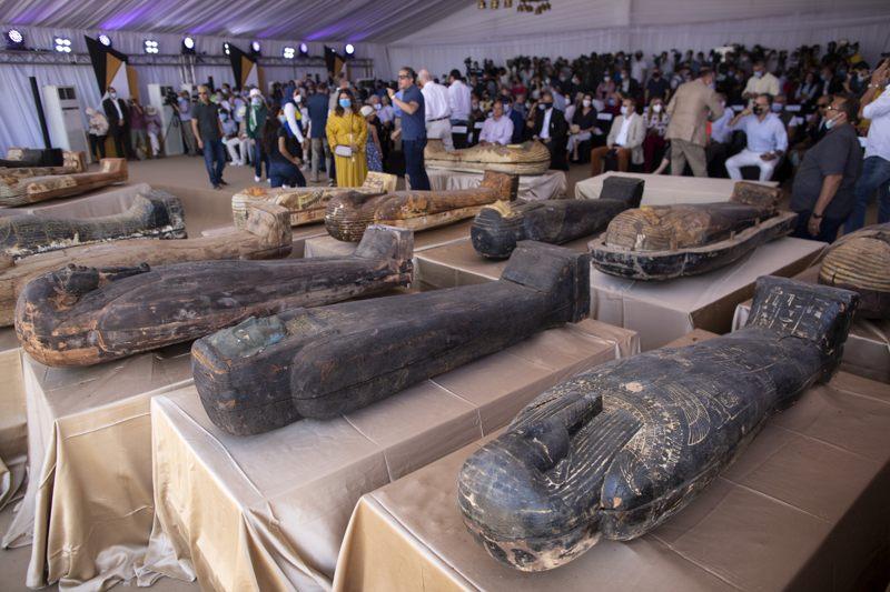 59 sarcófagos intactos con momias de más de 2.600 años