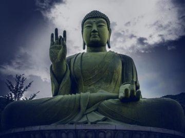 Descubren una estatua gigante de Buda de más de mil años de antigüedad