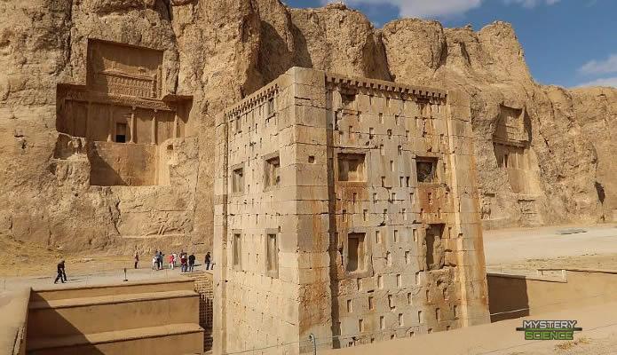 Necrópolis de Naqash-e Rustam