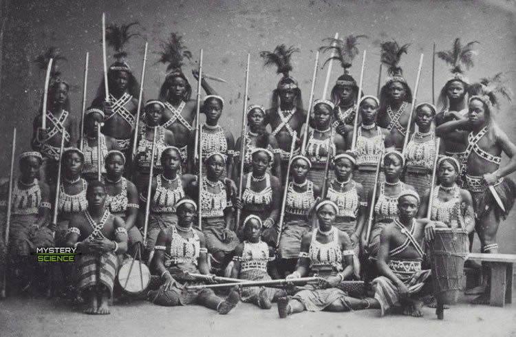 Grupo de guerreras del Reino de Damohey