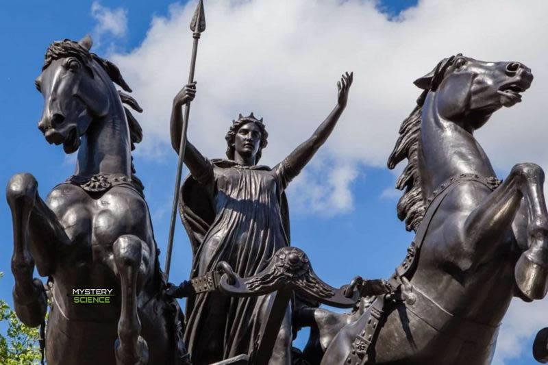 Estatua de Boudica y sus hijas en Londres