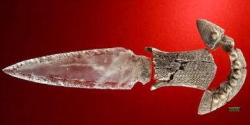 Descubren una daga de cristal de 5.000 años en una tumba prehistórica