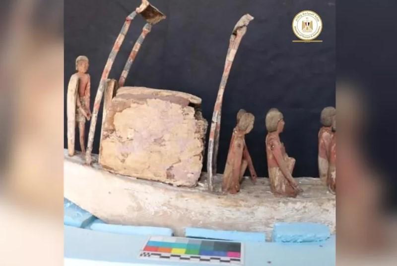 Maqueta de un barco egipcio
