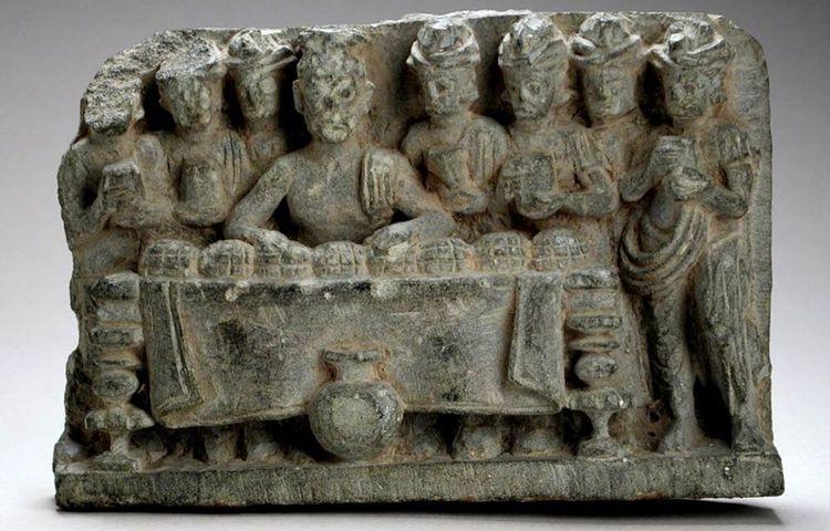 Reliquias de Buda cuidadas por robots