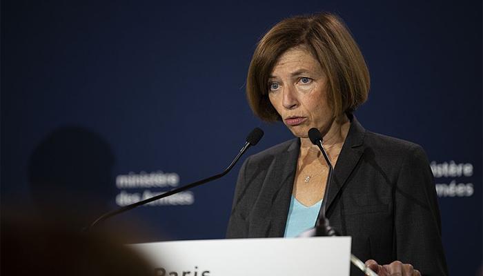 Ministra de Defensa de Francia Florence Parlysoldados modificados biológicamente