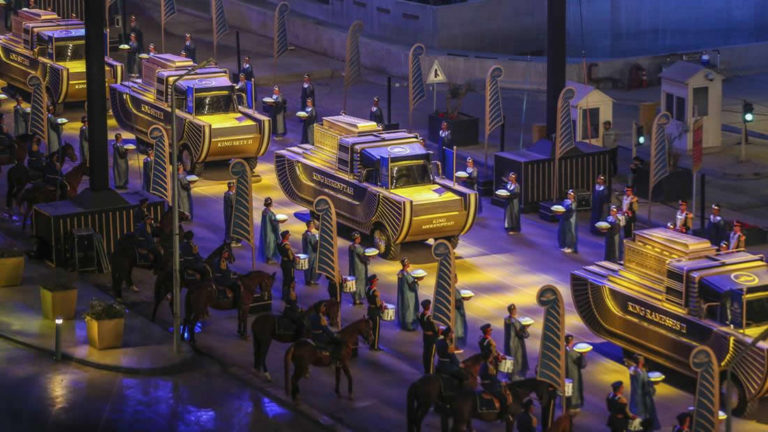 Extraordinario desfile de momias y reyes del antiguo Egipto por las calles de El Cairo