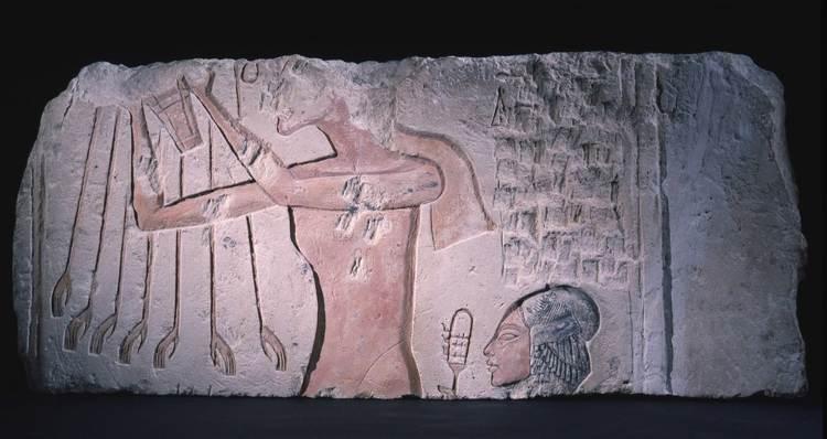 Akhenaton hija sistro