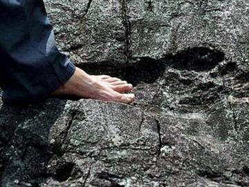 La huella gigante con forma de pie humano que ha desconcertado a los arqueólogos