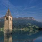 Pueblo italiano emerge luego de estar más de 70 años sumergido en el fondo de un lago